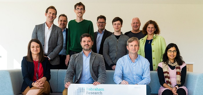 Karolina Zapadka, Head of Accelerate@Babraham (seated front left), Allan Marchington, Managing Director, Head of Life Sciences at Intermediate Capital Group (far left, back row), Derek Jones, CEO, Babraham Research Campus Ltd (middle back row) and Andy Richards CBE, biotech entrepreneur and investor (far right, back row) with the 2021/22 Accelerate@Babraham cohort.
