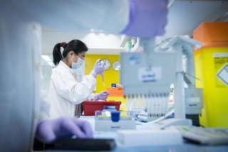 Laboratory testing image_ © AstraZeneca