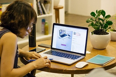 working from home_ Image by Free-Photos from Pixabay